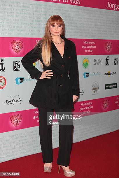 Ana Patricia Rojo poses during the red carpet of presentation of the book Momentos que cambian tu vida at Teatro de los Insurgentes on November 06 in...