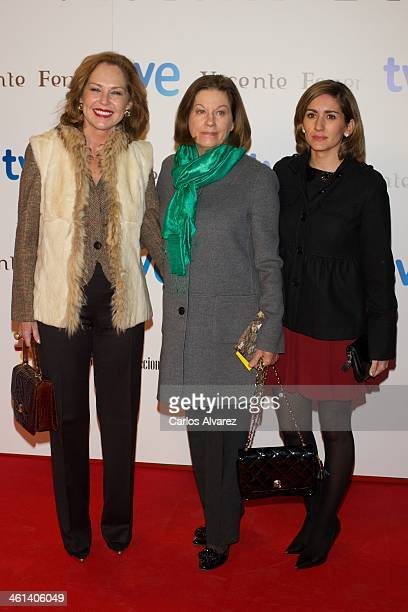 Ana Rodriguez Natalia Figueroa and Alejandra Martos attend the Vicente Ferrer premiere at the Callao cinema on January 8 2014 in Madrid Spain
