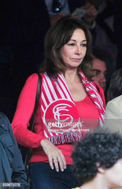 Ana Rosa Quintana attends the Copa del Rey match FC Barcelona vs Sevilla FC at Vicente Calderon Stadium on May 22 2016 in Madrid Spain