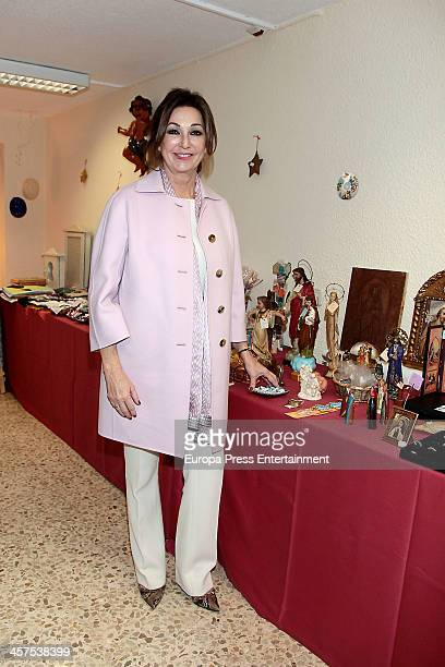 Ana Rosa Quintana inaugurates Charity Market on December 17 2013 in Madrid Spain