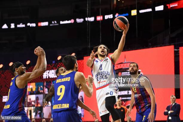 Anadolu Efes Istanbul's Shane Larkin tries to score during the Basketball Euroleague Final Four championship final match between FC Barcelona and...