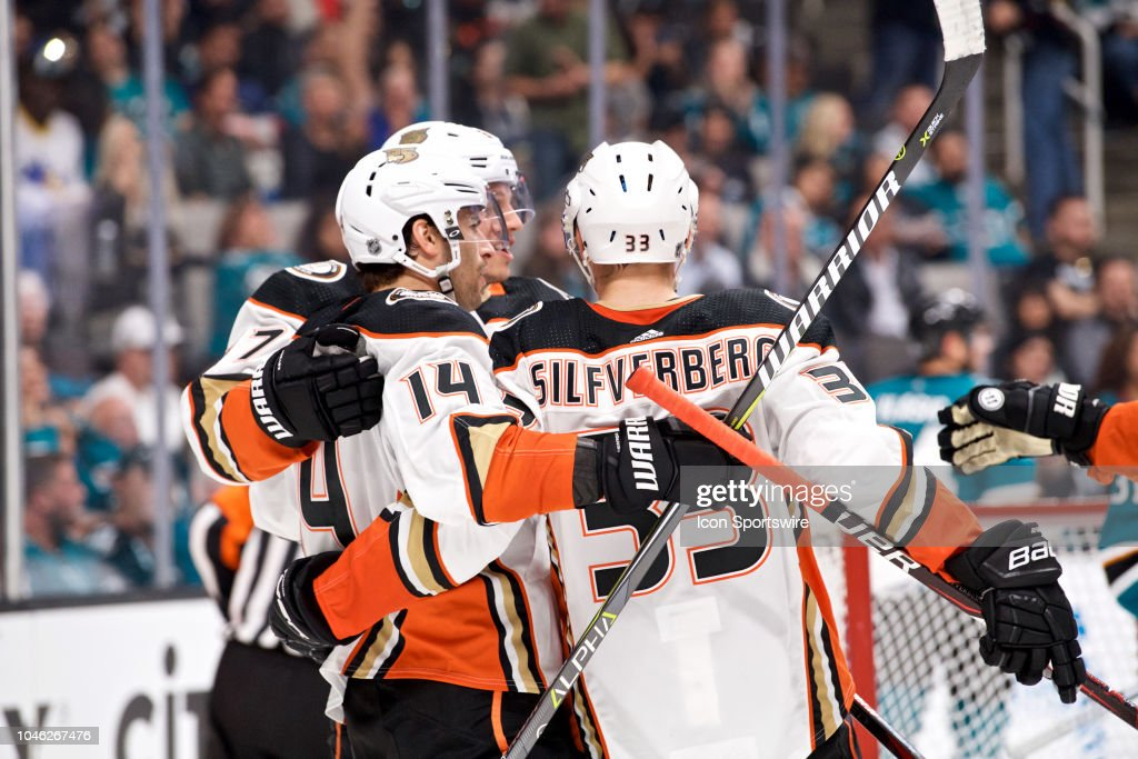 NHL: OCT 03 Ducks at Sharks : News Photo