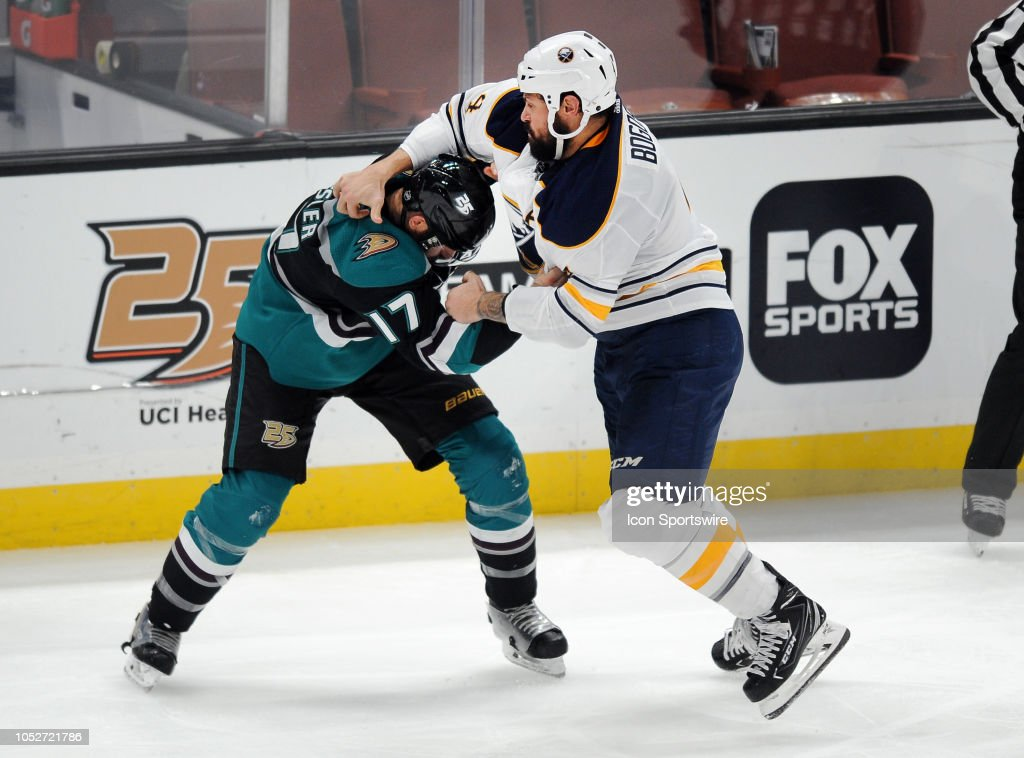 NHL: OCT 21 Sabres at Ducks : News Photo