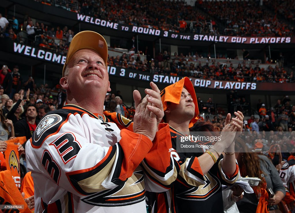 Anaheim Ducks fans cheer before taking on the Chicago Blackhawks in Game Seven of the Western Conference Finals during the 2015 NHL Stanley Cup Playoffs at the Honda Center on May 30, 2015 in Anaheim, California.