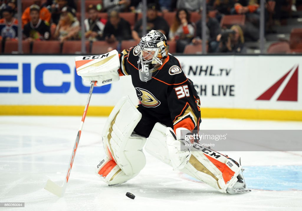 NHL: OCT 09 Flames at Ducks : News Photo