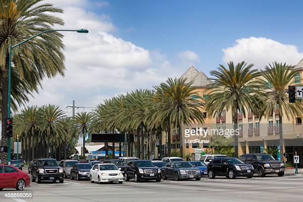 anaheim traffic - anaheim californië stockfoto's en -beelden