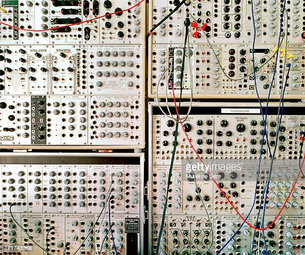analog modular synthesizer - electronic music stock pictures, royalty-free photos & images