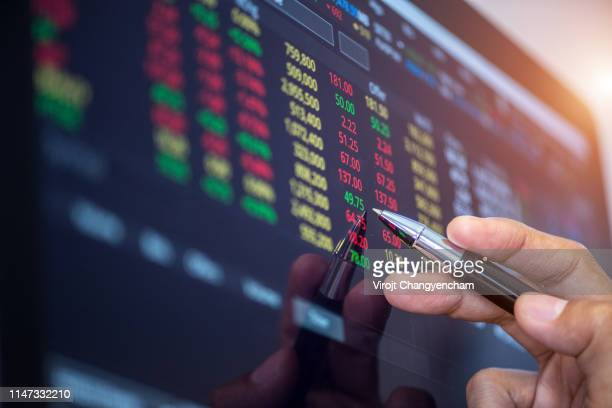analysis stock market index number - 経済 ストックフォトと画像