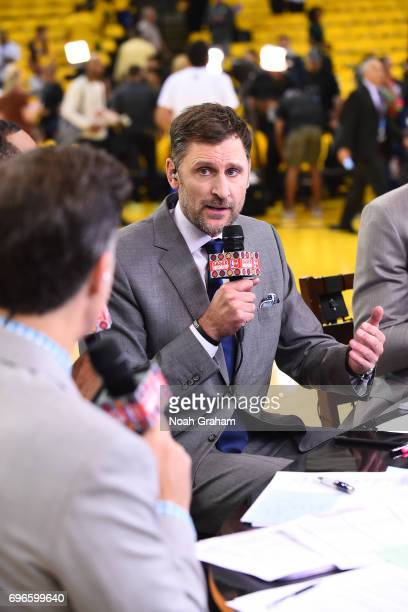 Analyst Brent Barry talks on set before Game Five of the 2017 NBA Finals between the Cleveland Cavaliers and the Golden State Warriors on June 12...