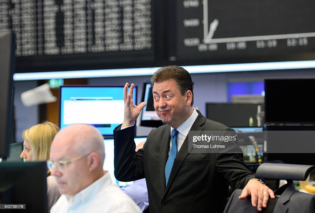 Frankfurt Stock Exchange Reacts To EU Referendum Vote Result : News Photo