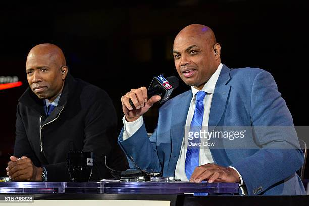 Analysts Charles Barkley and Kenny Smith talk on set before the New York Knicks game against the Cleveland Cavaliers on October 25 2016 at Quicken...
