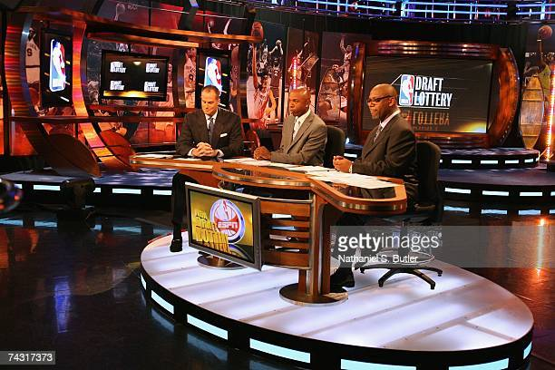 ESPN analysts Jay Bilas Greg Anthony and Fred Hickman commentate during the 2007 NBA Draft Lottery on May 22 2007 at the NBATV Studios in Secaucus...
