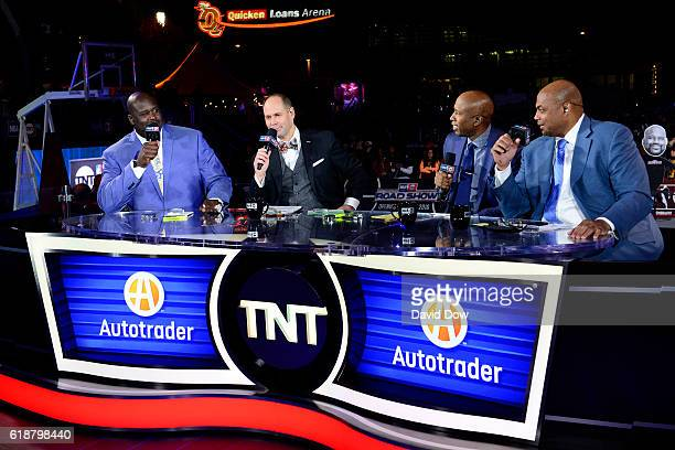 Analysts Shaquille O'Neal Ernie Johnson Kenny Smith and Charles Barkley host a show on October 25 2016 before the New York Knicks game against the...