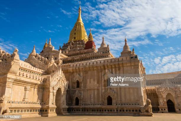 ananda temple in old bagan, myanmar - peter adams stock pictures, royalty-free photos & images