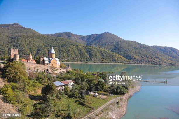 ananuri complex on the aragvi river,  georgia - caucasus stock pictures, royalty-free photos & images