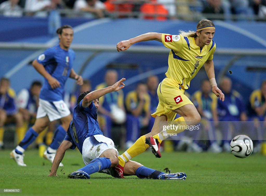 Soccer -2006 FIFA World Cup Quarterfinals - Italy vs. Ukraine : News Photo