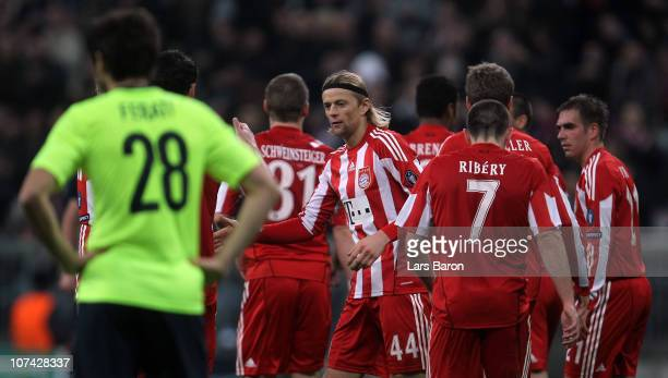 Anatoliy Tymoshchuk of Muenchen celebrates after scoring his teams second goal during the UEFA Champions League group E match between FC Bayern...