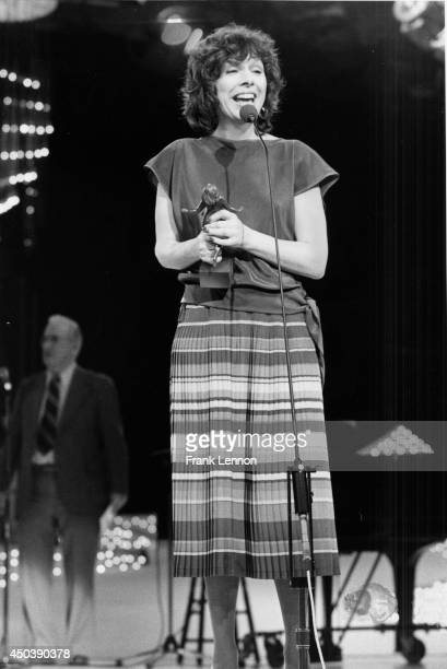 Anchor Barbara Frum with award for best radio interviewer Photo taken by Frank Lennon in April 1980