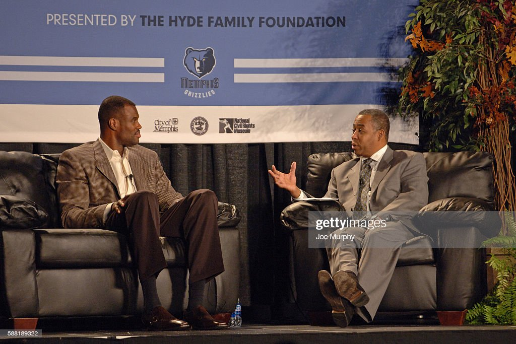Anchor, John Saunders interviews NBA Legend, David Robinson during a MLK Sports Legacy Symposium before the Phoenix Suns game against the Memphis Grizzlies on January 15, 2007 at FedExForum in Memphis, Tennessee.