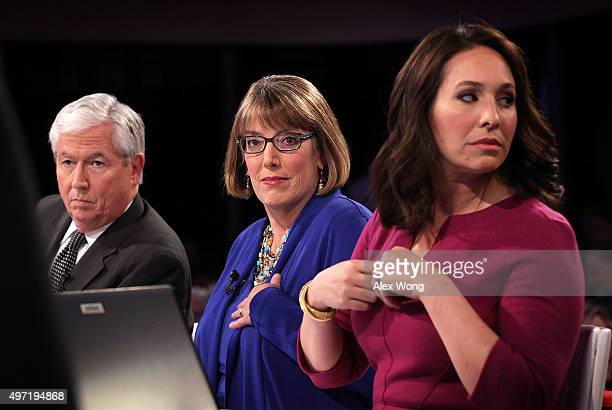 KCCI anchor Kevin Cooney Des Moines Register political columnist Kathie Obradovich and CBS News Congressional Correspondent Nancy Cordes wait for the...