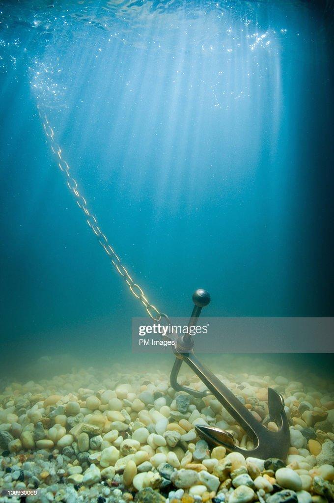 Anchor on ocean floor : Foto de stock