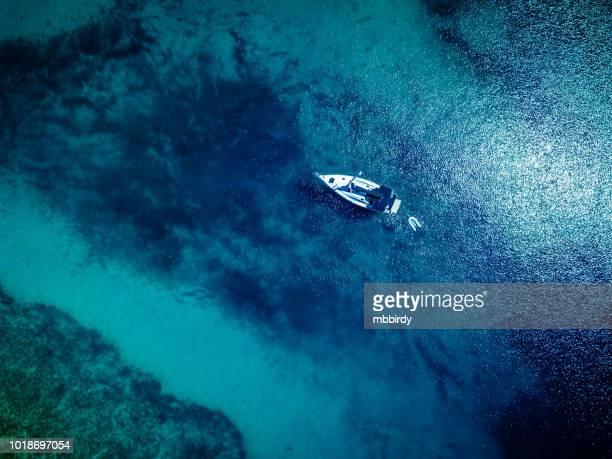 停泊するヨット、からの眺めドローン