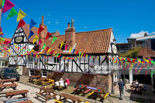 Ancient 13th century half timbered Red Lion Inn at Merchantgate