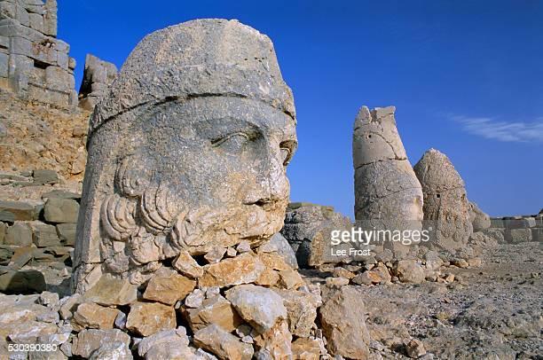 Ancient carved heads of gods on summit of Mount Nemrut, Nemrut Dagi (Nemrut Dag), Anatolia, Turkey, Asia Minor, Asia