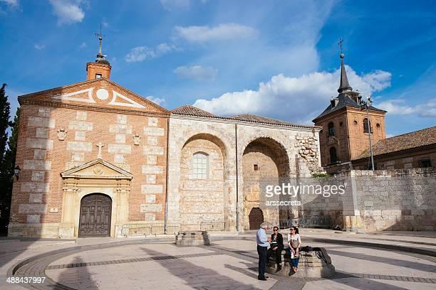ancient church in alcala de henares - alcala de henares stock pictures, royalty-free photos & images
