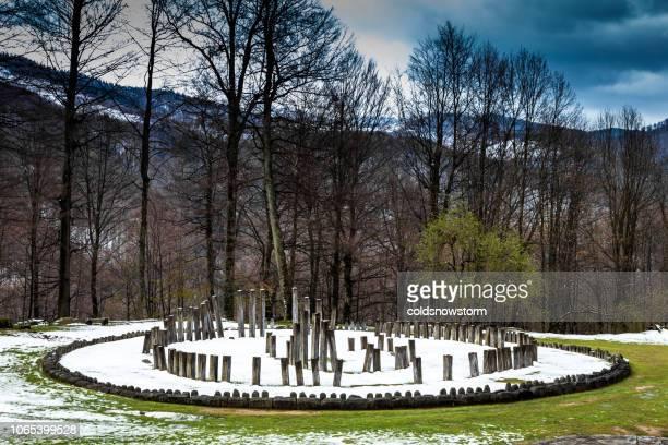 dacian ruinen in sarmizegetusa regia, siebenbürgen, rumänien - antike kultur stock-fotos und bilder