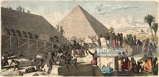 Build the Pyramids Coloured engraving by Heinrich Leutemann Bilder aus dem Altertume 1866
