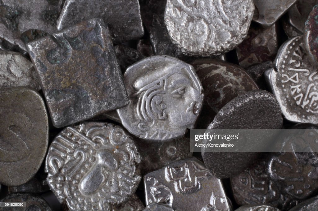 Alte Indische Münzen Stock Foto Getty Images