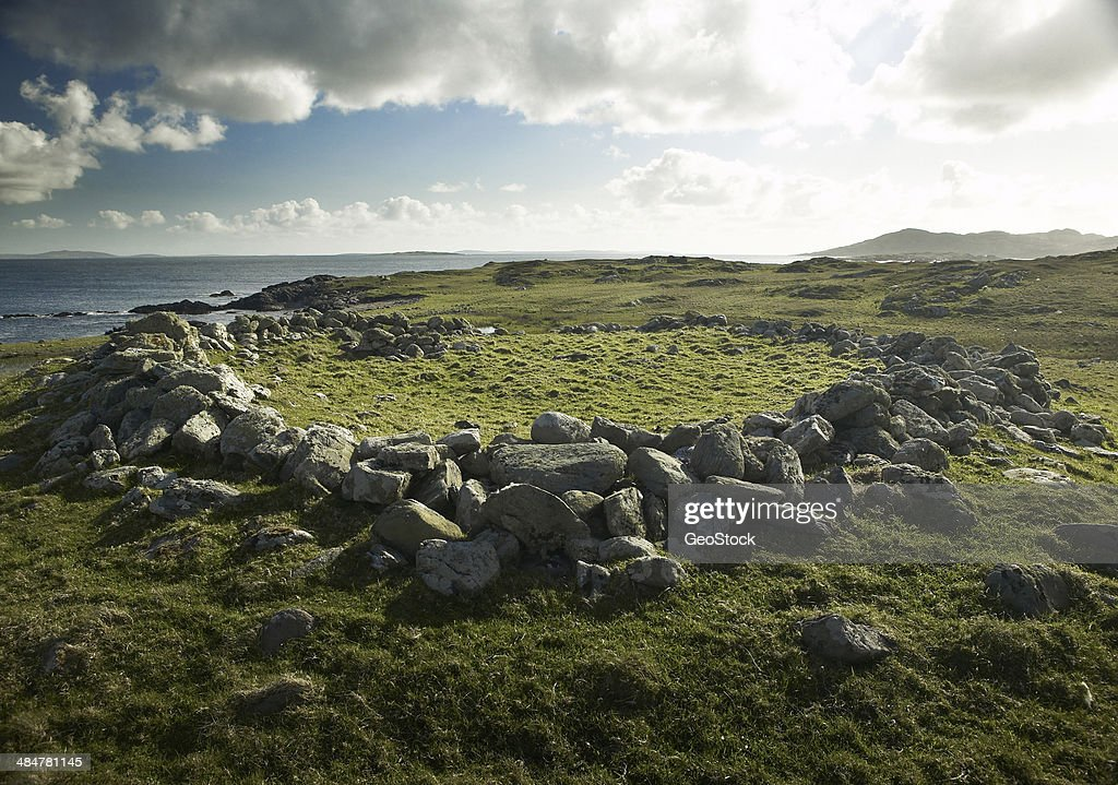 Ancient ring fort (farmstead) on Caher Island : Stock-Foto