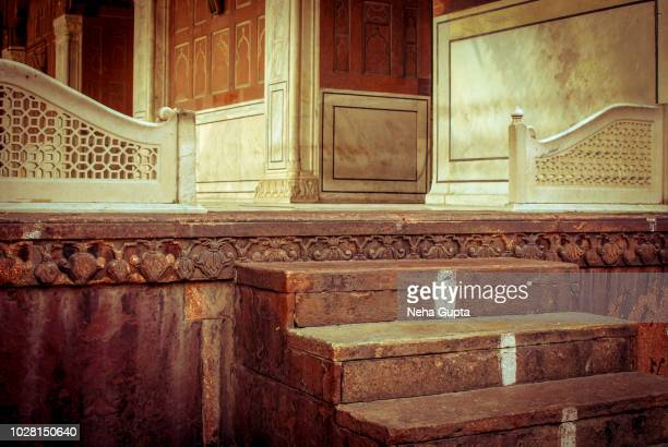 ancient stairs - the jama masjid, new delhi, india - jama masjid delhi stock pictures, royalty-free photos & images