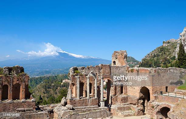 Historische Teatro Greco in Taormina und der Ätna, Sizilien, Italien