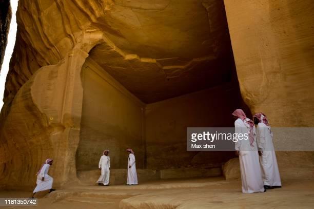 ancient tomb in madain saleh, saudi arabia. - mada'in saleh stock pictures, royalty-free photos & images