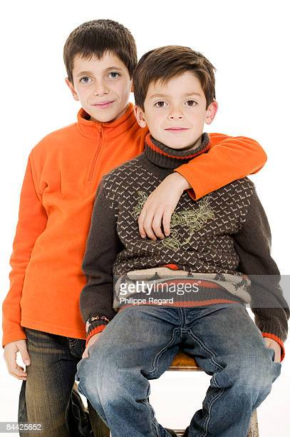 6 and 8 years old brother, portrait - 6 7 years stock pictures, royalty-free photos & images