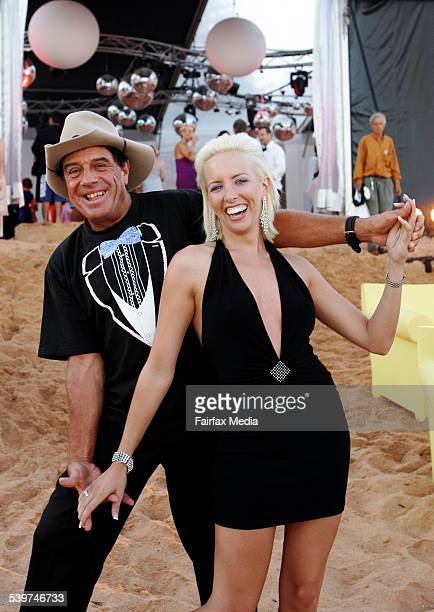 MOLLY MELDRUM and Alana Patience at Party of the weekPalm Beach 232 January 2006 SHD Picture by JENNY EVANS