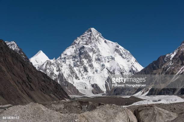 k2 and angel peaks from concordia, k2 trek, karakoram range, pakistan - k2 mountain stock pictures, royalty-free photos & images