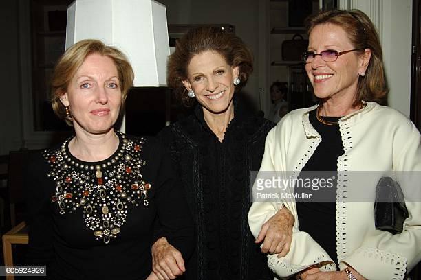 and Annette de la Renta attend Bergdorf Goodman hosts a Celebration for Oscar de la Renta's 35th Anniversary at Bergdorf Goodman on April 26 2006 in...