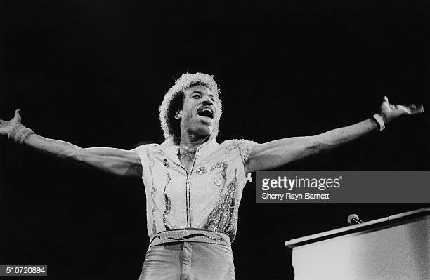 And B singer Lionel Richie performs at The Forum in 1984 in Inglewood, California.