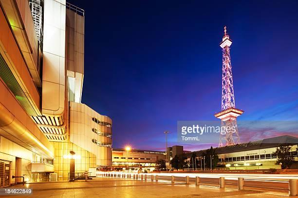 icc und berlin radio tower, deutschland - berliner funkturm stock-fotos und bilder