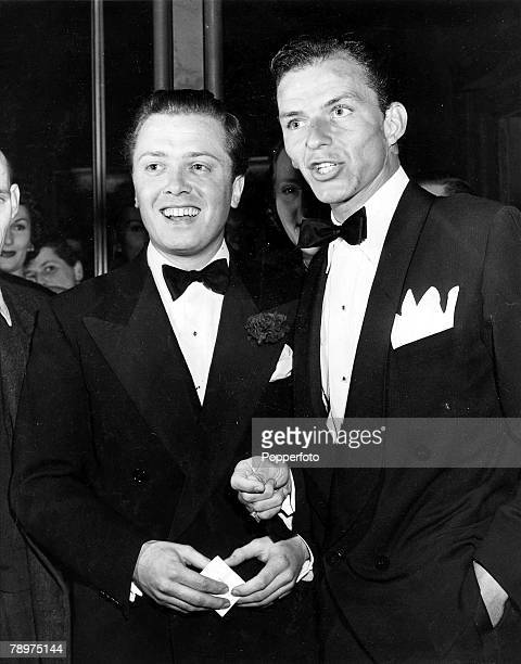 TV and Films 7th July 1950 London England Legendary US film star singer and entertainer Frank Sinatra is pictured with British actor and Director...