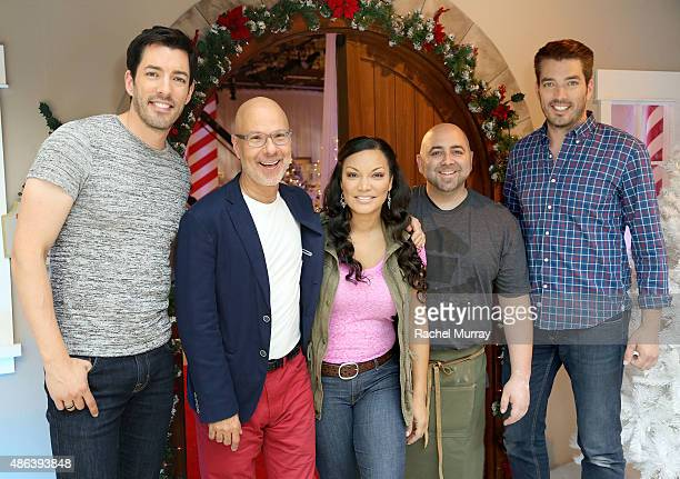 HGTV and Food Network fan favorites Drew Scott Ron BenIsrael Egypt Sherrod Duff Goldman and Jonathan Scott visit with fans at the Westside Pavilion...
