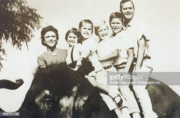 B and G Bush and 4 of their children at the 1964 Republican convention