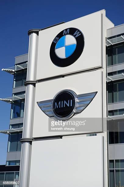 bmw y mini señalización - bmw fotografías e imágenes de stock