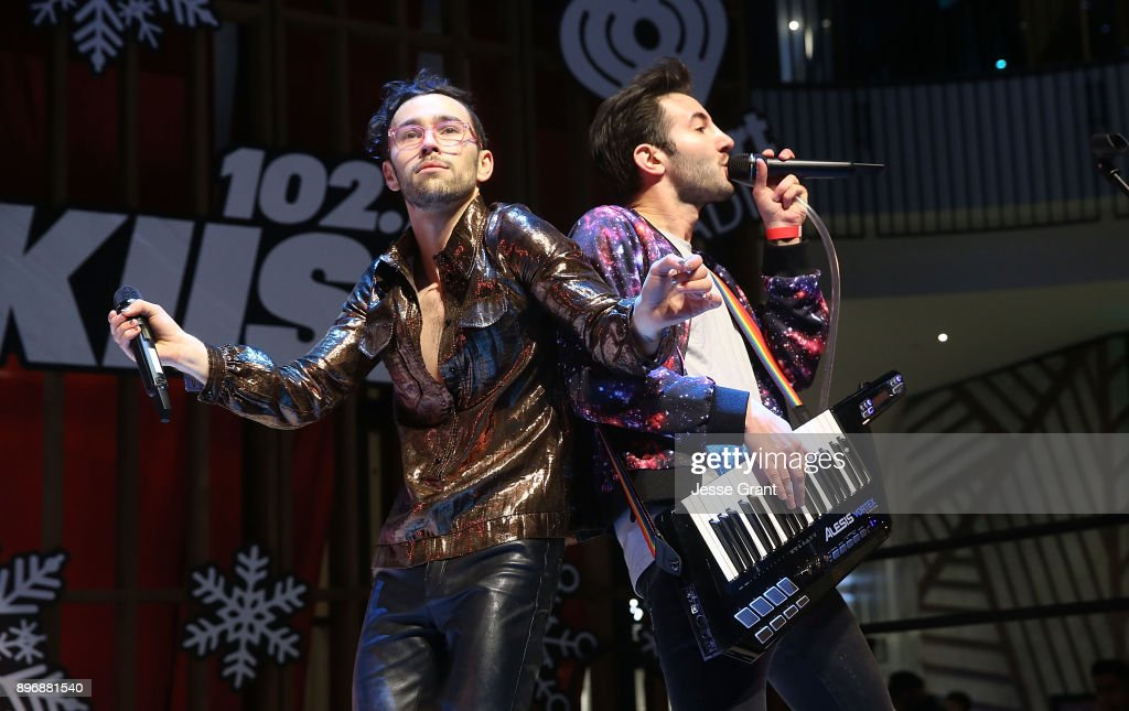 """Westfield Century City Presents """"Live at the Atrium"""" Holiday Concert Series in Partnership with KIISFM - MAX"""