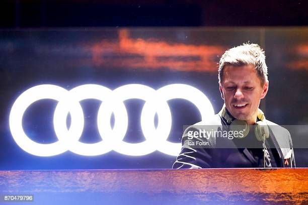 DJ and singer Michi Beck during the aftershow party during during the 24th Opera Gala at Deutsche Oper Berlin on November 4 2017 in Berlin Germany