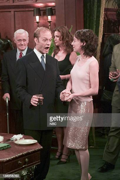 FRASIER And the Dish Ran Away with the Spoon Part 1 Episode 1 Pictured John Mahoney as Martin Crane David Hyde Pierce as Dr Niles Crane Peri Gilpin...
