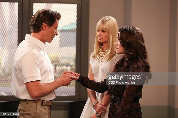 And The Hidden Stash Max Black right joins Caroline Channing on her visit to a white collar prison to see her father Martin Channing and he...